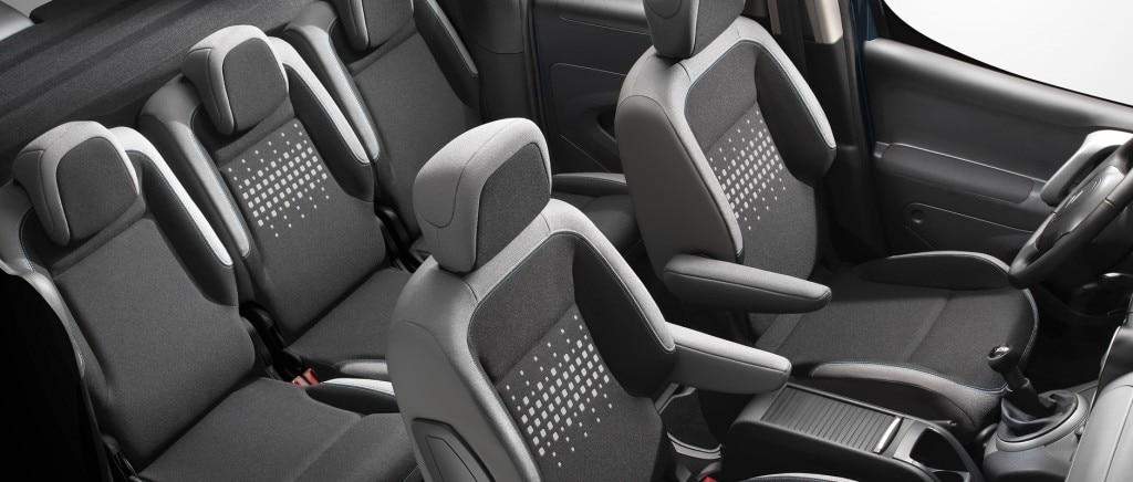 3 sièges arrière indépendants
